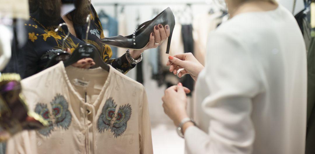 Reorganizacja szafy ze stylistką - przegląd garderoby